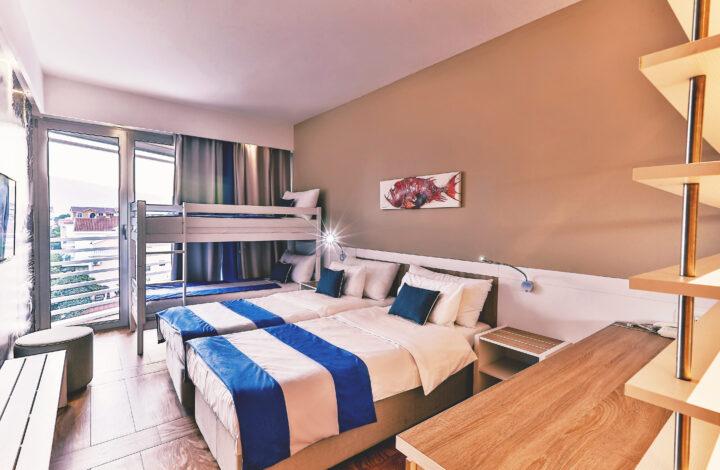 Hotel Delfin: Family Room